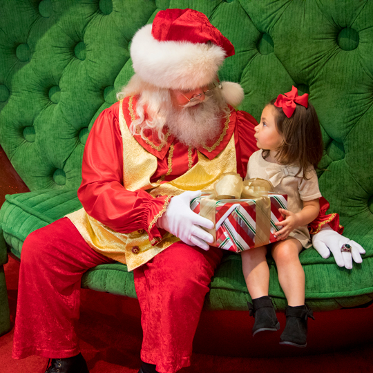 Photos with Santa at The Aventura Mall